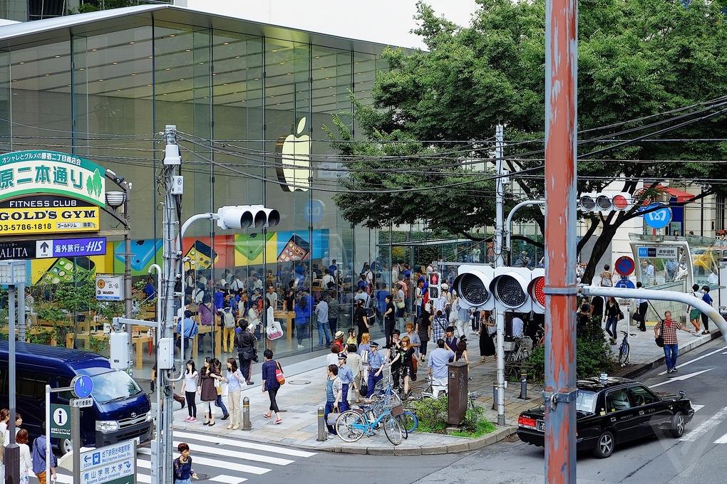 Apple-Store-Tokio1
